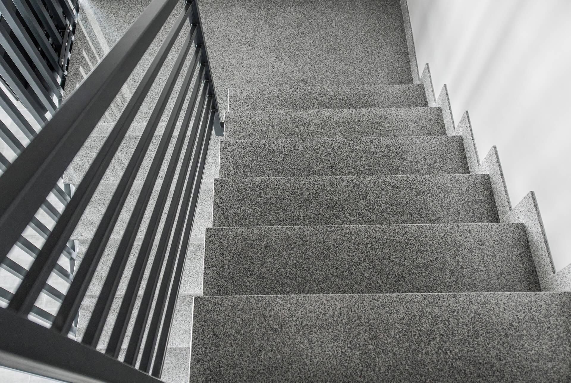 måleri Ny bostadstrappa i lägenhetsbyggnaden PROFFSMÅLERI I SKÅNE AB